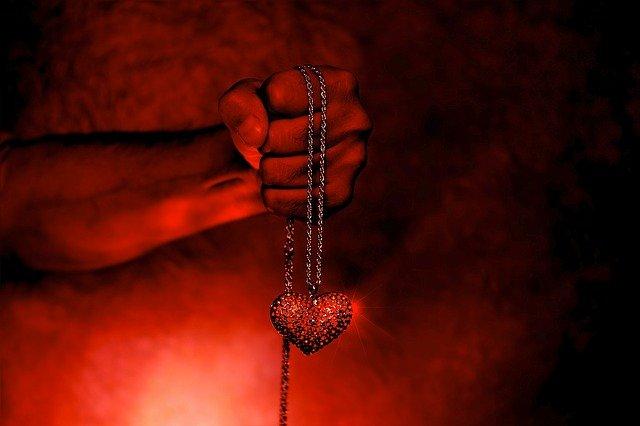 5 τρομαχτικοί, λογοτεχνικοί έρωτες